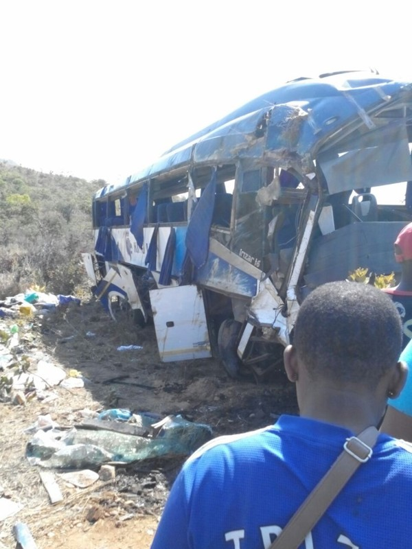 ZimbabweNation.Com - Bus accident, 11 die on the spot - Photos