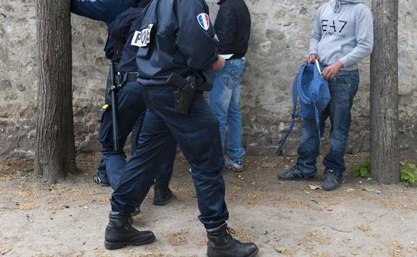 Le directeur de cabinet d'un élu UMP surpris en plein tag anti Hollande