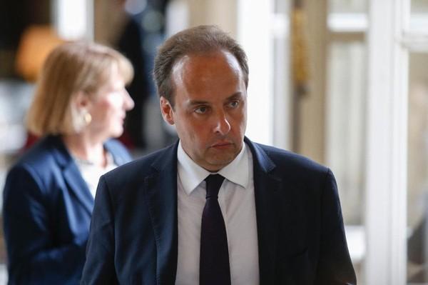 Avec ses 11 552 euros par mois, un député estime gagner «moins que le salaire moyen des Français»