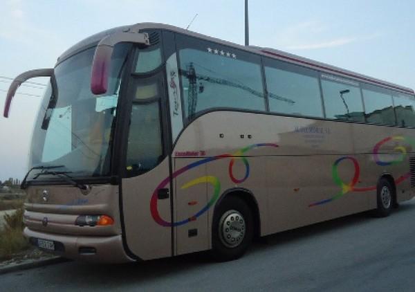 Un accident de bus scolaire fait 14 blessés légers près du Mans