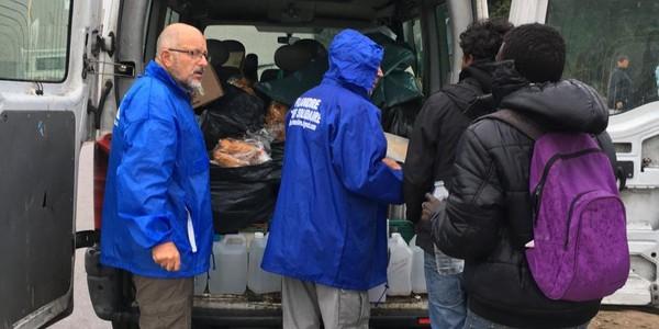 Les entraves à l'action des associations à Calais? «Ça nous donne encore plus envie d'aider»
