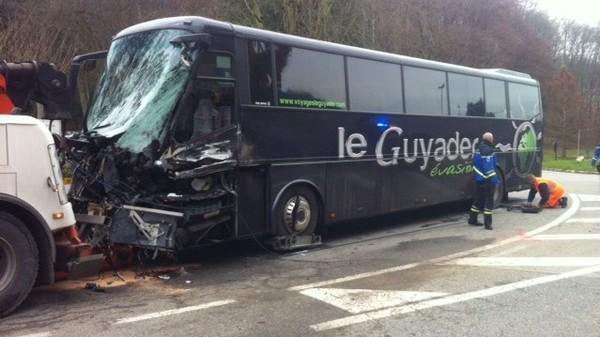 Un mort et un blessé grave dans un accident à Saint-Martin-d'Uriage, en Isère – faits divers - France 3 Alpes