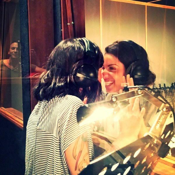.@alizeeofficiel | Surprise en studio avec ma chewie @talofficial