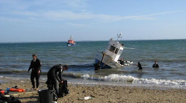 Quiberon. Le bateau menace de couler, seize personnes évacuées