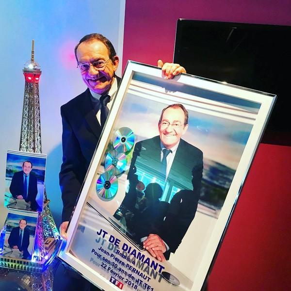 """@laurent.mariotte on Instagram: """"JT de diamant pour le camarade @pernautjp. 30 ans à la tête du 13h. Bravo Jean Pierre pour ta longévité et ton authenticité. #sincerité…"""""""