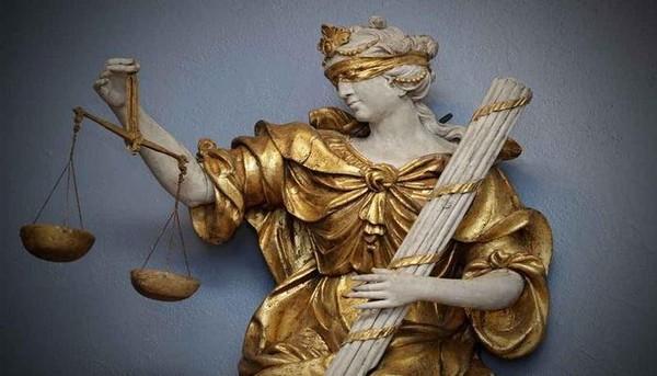 La justice est une usine à fric