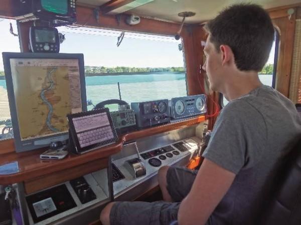 N° 06/2013 – Les jeunes et la voie d'eau NPI, Navigation, ports et intermodalité