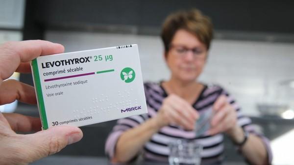 """Levothyrox : le président de Merck France accuse les associations de patients d'""""essayer de faire du buzz médiatique"""""""