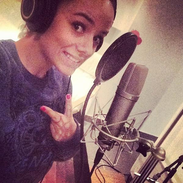 .@alizeeofficiel | Profiter de son jour off pour aller en studio ️#alizee #nouvelalbum | Webstagram