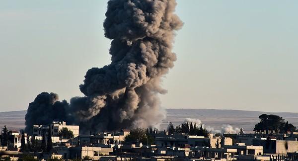 La coalición internacional liderada por EEUU busca destruir el proceso de paz enSiria
