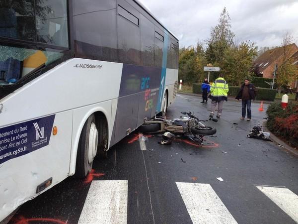 Neuf-Berquin : un motard décède après avoir heurté un bus, il serait de La Couture