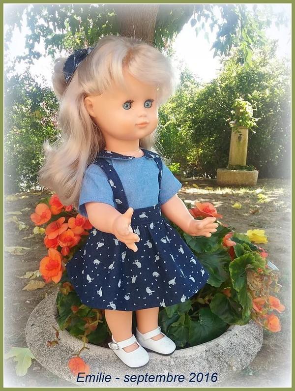 Emilie en tenue de septembre 2016 - Le Monde Merveilleux d'Emilie