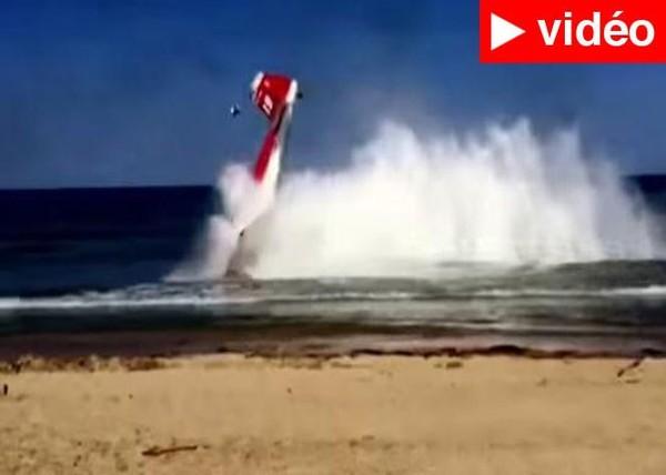 Italie : Deux avions entrent en collision lors d'un show de voltige