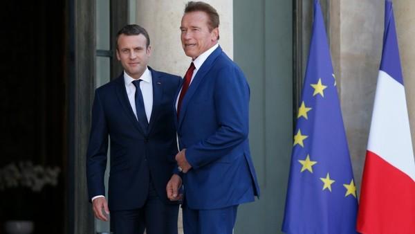 Macron et Schwarzenegger en « croisade » contre le changement climatique