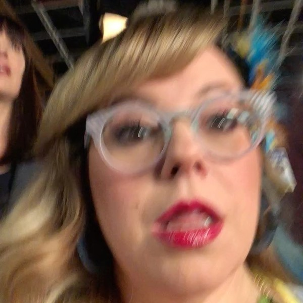 """@kirstenvangsness on Instagram: """"This little vid is from around this time last year. And now it's almost over. 😢. But it's on tonight. And re-runs exist. And how freaking…"""""""