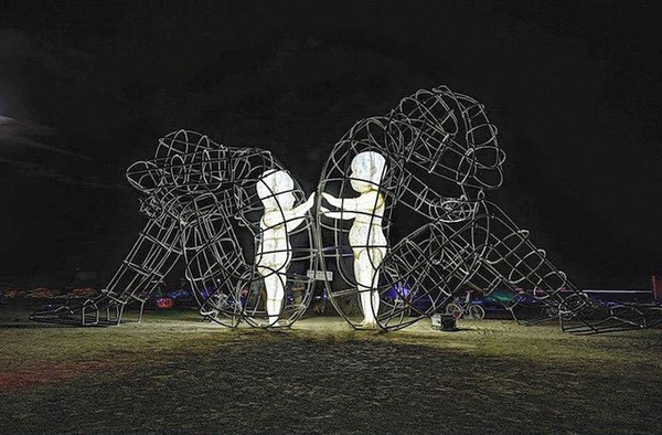 http://www.niceplacevisit.com/extremely-lovely-wire-sculpture-kids/