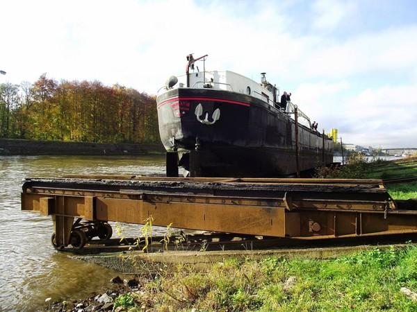 Mes parcours des voies d'eau par Pierre Lemoine: Au chantier de Beez suite