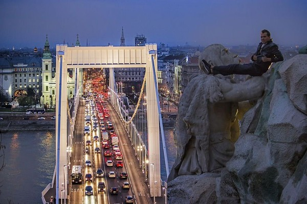 How to risk the life to photograph hometown Budapest from the best Angle - NICE PLACE TO VISIT