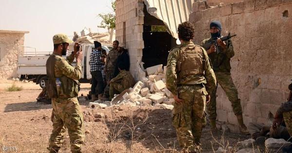 """اشتباكات بين الجيش والمعارضة على طريق يؤدي إلى """"قلب دمشق"""""""