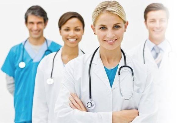 Кои са Най-Добрите Пластични Хирурзи в България Сега?