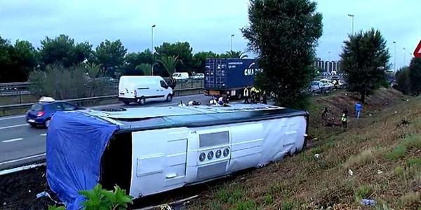 Espagne: 24 blessés dans l'accident d'un car de touristes étrangers