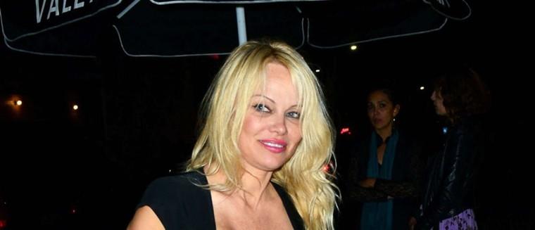 Pamela Anderson très proche... d'un ancien candidat de Secret Story ! (PHOTOS)
