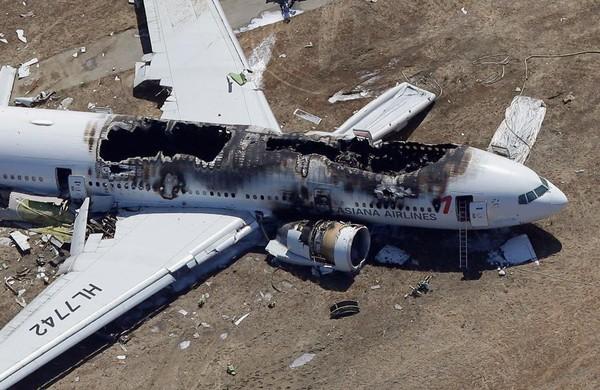 Crash d'avion à l'aéroport de San Francisco: 2 morts et 182 blessés