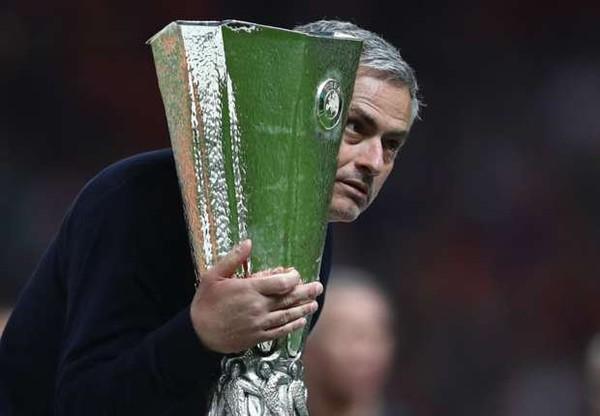 Jose Mourinho: Saya Selalu Pilih Tim Bermasalah   Berita Olahraga Terkini