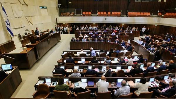 """قانون """"الدولة القومية اليهودية"""": الاتحاد الأوروبي يبدي """"قلقه"""" والجامعة العربية تصفه """"بالعنصري&qu..."""