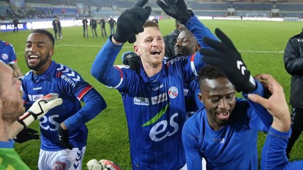 Le Racing Club de Strasbourg peut retrouver la Ligue 1 dès ce vendredi à Niort