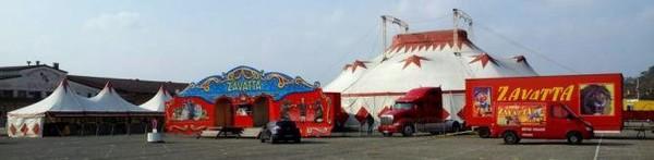 Accueil - Site officiel du cirque ZAVATTA direction Landri