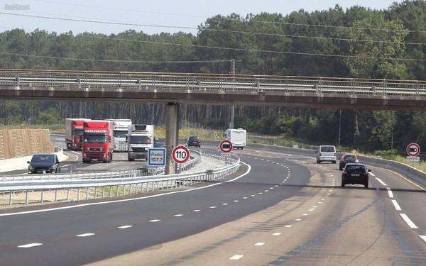 Gironde: au volant d'un poids lourd sur l'A63 avec 2,7 grammes d'alcool dans le sang