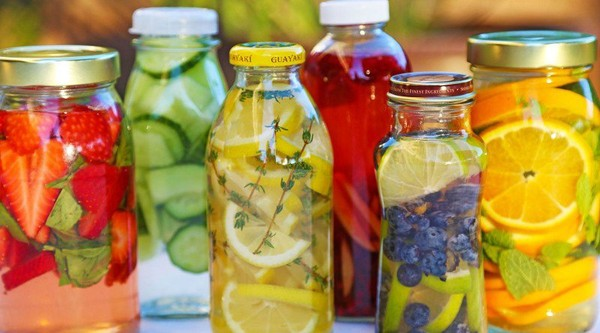 4 Homemade Vitamin Waters For Detox & Weight Loss - Healthy Food Society