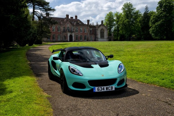 Lotus obsessed with lightweight vehicles-Lotus Elise revelation