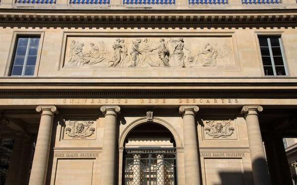 «Pourriture, souris, vente de corps»: à Paris, les coulisses insoutenables de l'université René-Descartes