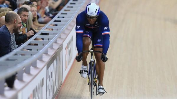 Pas de cinquième titre mondial pour Baugé en vitesse - Grégory Baugé, champion du monde sortant, a été éliminé en quart de finale de l'épreuve de vitesse des championnats du monde et a pri...