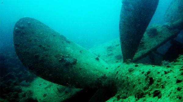 Plongée sur épave à Bouillante- plongées exploration sur plongee-guadeloupe.com