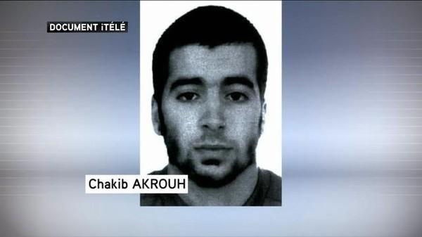 Attentats de Paris: le kamikaze de l'appartement de Saint-Denis a été identifié
