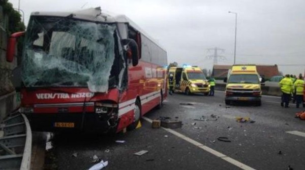 Gewonden bij ongeval met 3 bussen in Nederland