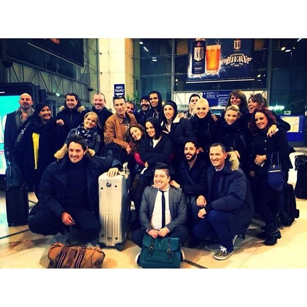 .@alizeeofficiel | Une partie de l'équipe sur le retour ! Prochaine date vendredi 17 janvier à N... | Webstagram