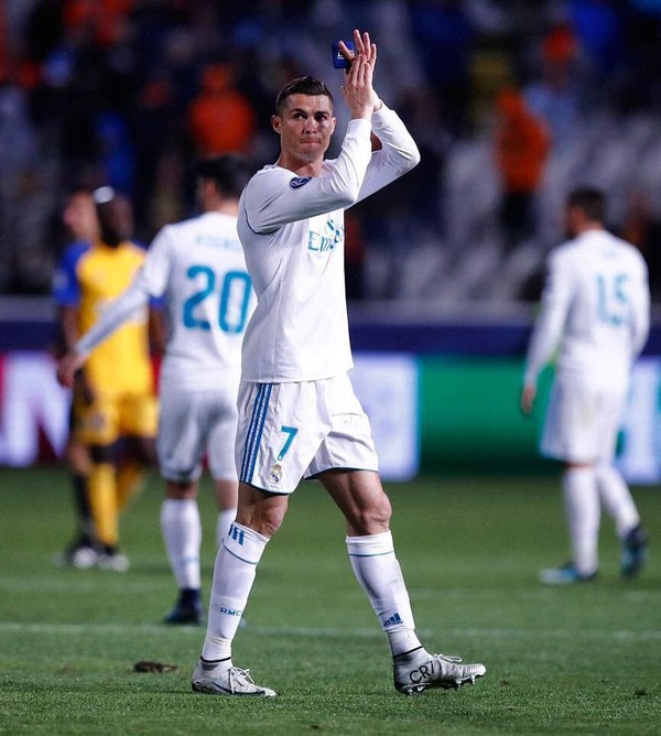 Instagram post by Cristiano Ronaldo • Nov 22, 2017 at 10:01am UTC
