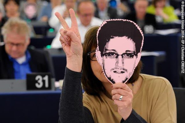 October's EU strong digital mix: From Safe Harbour to Net Neutrality, Roaming and Snowden