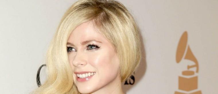 Avril Lavigne annonce son retour en 2017