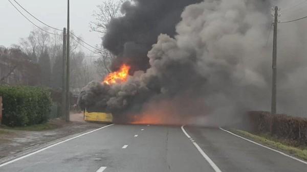 Bus en feu à Embourg ! - RTC Télé Liège