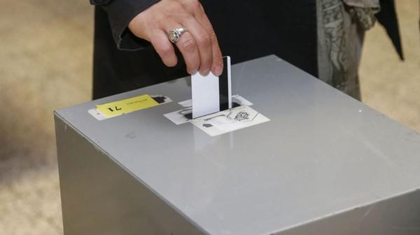 Exclusivité Bug du vote électronique: voici ce qui s'est vraiment passé à Schaerbeek et Bruxelles - RTBF Regions
