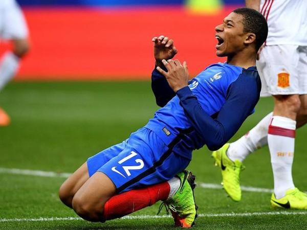 Madrid Harus Membeli Mbappe Sebagai Ronaldo Baru