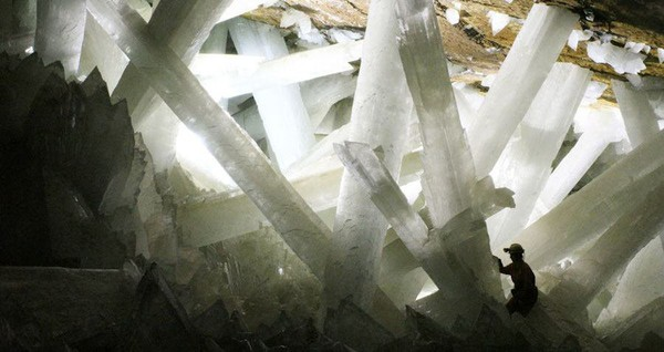 NASA Scientists Discover Mysterious Life Forms Hibernating Inside Giant Mexican Cave Crystals