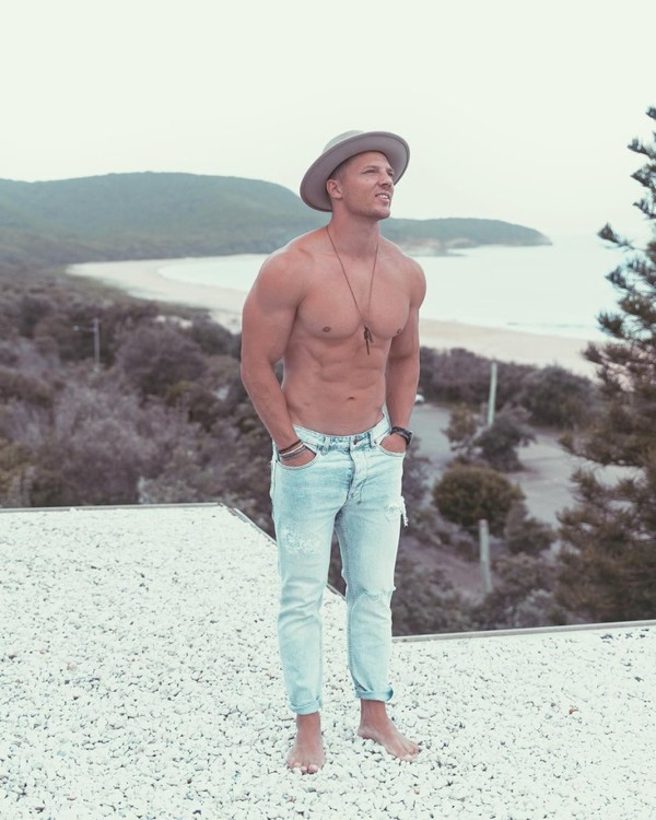 """Steve Cook on Instagram: """"Feelin the urge for new places, for no shoes, sunshine and adventure. Where should we go?"""""""