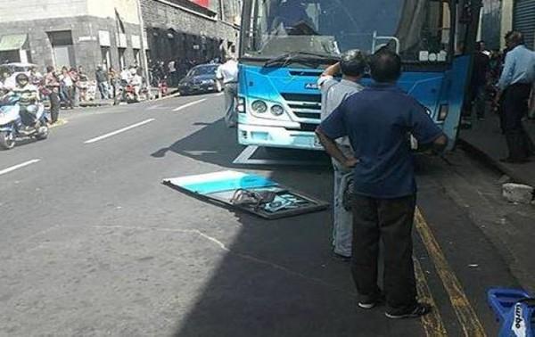 Maurice : Nouvel incident sur un autobus de la CNT, la portière du chauffeur se détache