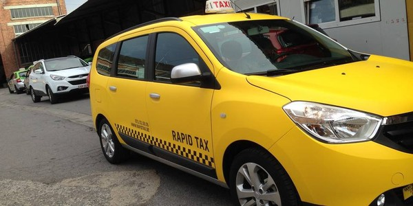 Charleroi: les premiers taxis new look débarquent